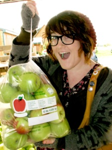 Laura and apples